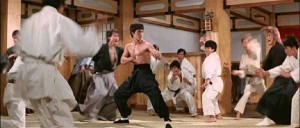 Bruce-Lee-defends-Chinese-honour-against-Japanese-in-Fist-of-Fury2